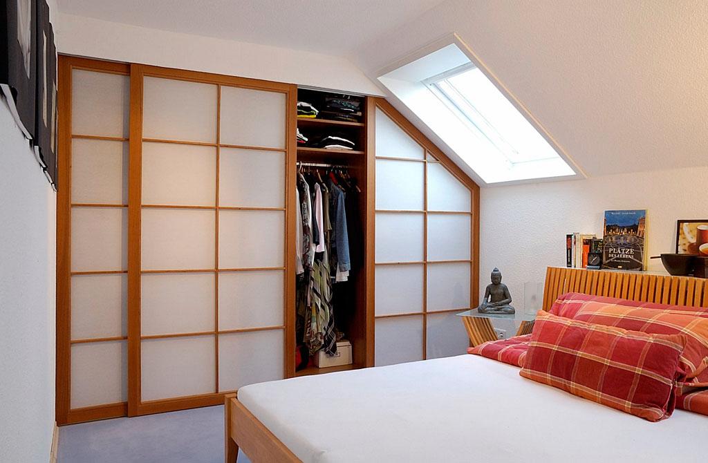 einbauschr nke eichenhaus gleitt ren schr nke raumteiler. Black Bedroom Furniture Sets. Home Design Ideas